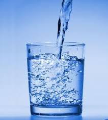 bere tanta acqua